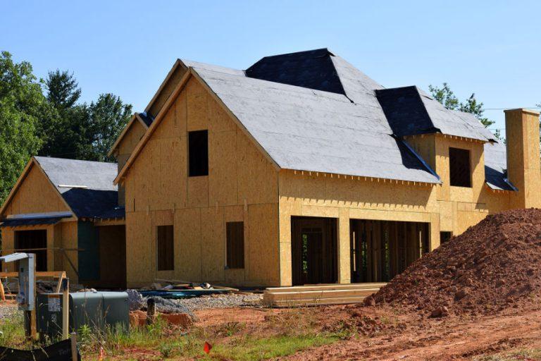 Odwierty geotechniczne – dlaczego warto je wykonać przed rozpoczęciem budowy