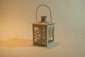Dekoracje świetlne - jak zaaranżować niepowtarzalną przestrzeń